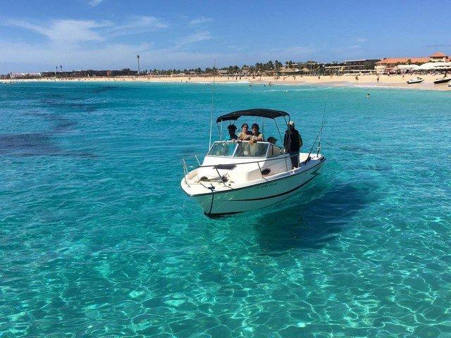 Navegar en barco por Cabo Verde