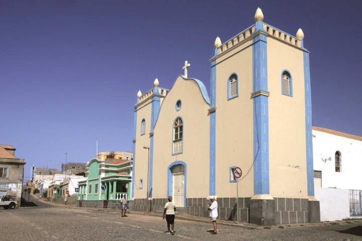 Visitar la ciudad de Sal Rei